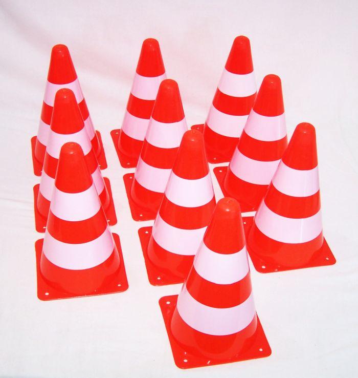 TOP QUALITÄT Pylonen Markierungskegel Verkehrshütchen Warnkegel Fußball Hütchen